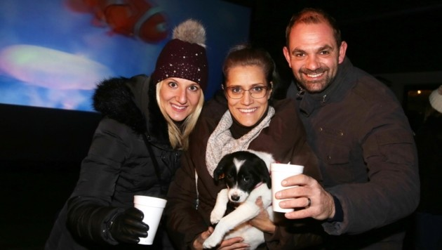 """Carola, Melissa und Christian hatten die kleine """"Elli"""" mit. (Bild: Evelyn Hronek)"""
