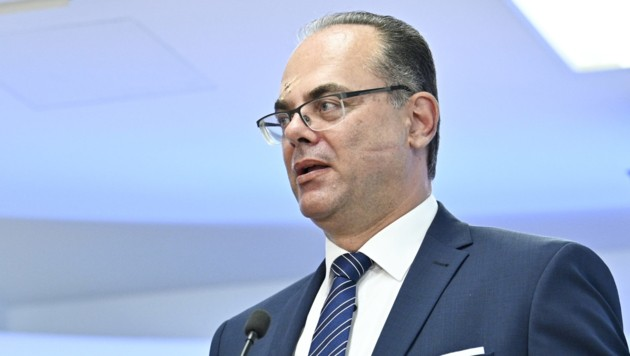 Verkehrsminister Andreas Reichhardt (Bild: APA/HANS PUNZ)