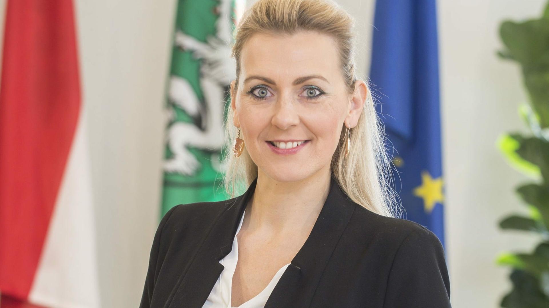 Baby Gab Ministerin 100 Euro Brav Wieder Zuruck Krone At