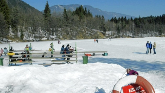Bis man auf dem Vassacher See eislaufen darf, wird es noch dauern. (Bild: Uta Rojsek-Wiedergut)