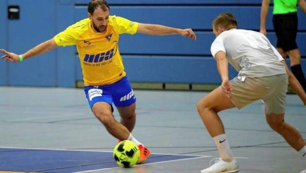 Stellte seinen Torriecher unter Beweis: SAK-Goalgetter Mersudin Jukic (li.) (Bild: ANDREAS TROESTER)