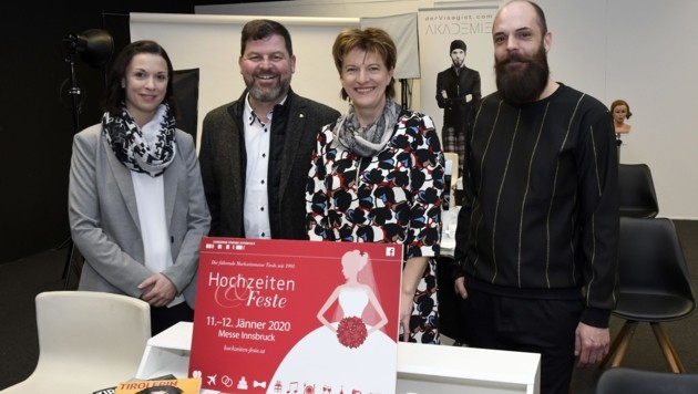 Gespannt auf die erste Messe 2020 (v. l.): CMI-Projektleiterin Karin Strobl, Stefan Kleinlercher, Stadträtin Christine Oppitz-Plörer sowie Michèl Schiwôn. (Bild: Andreas Fischer)