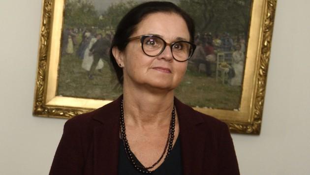 Sozialministerin Brigitte Zarfl hat veranlasst, dass auch Schulärzte impfen können. (Bild: APA/HERBERT PFARRHOFER)