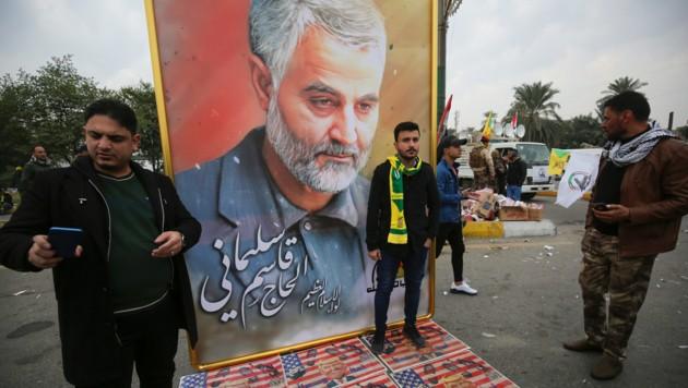 Anhänger Kassem Soleimanis in Bagdad trauern um den beliebten iranischen General. (Bild: APA/AFP/Ahmad AL-RUBAYE)