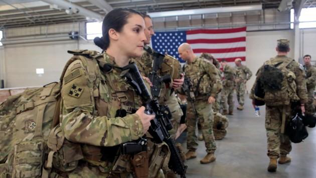 Tausende US-Soldaten bereiten sich auf ihren Einsatz im Nahen Osten vor. Sie werden laut den Prophezeiungen aus Mexiko auch zu ihren Waffen greifen müssen. (Bild: AP)