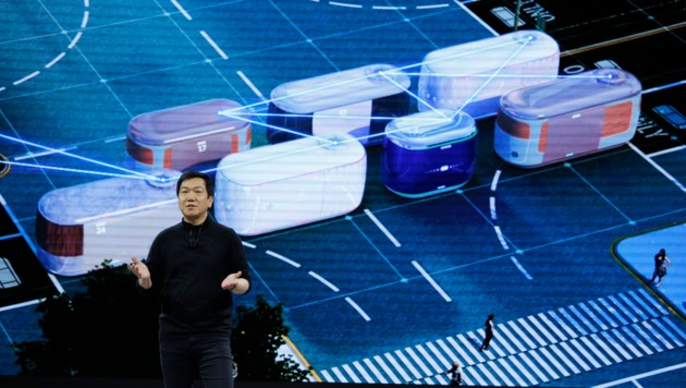 Hyundai-Designer SangYup Lee bei der Vorstellung des Mehrzweckfahrzeuges S-Link (Bild: AP)