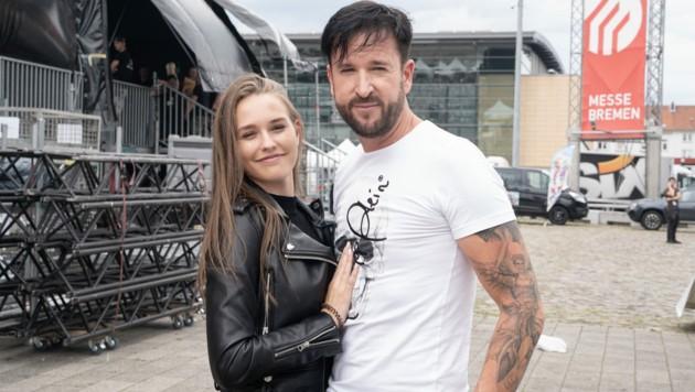Michael Wendler bringt seine Freundin Laura Müller mit zu seinem Konzert in Bremen. (Bild: Chris Emil Janßen / Action Press / picturedesk.com)