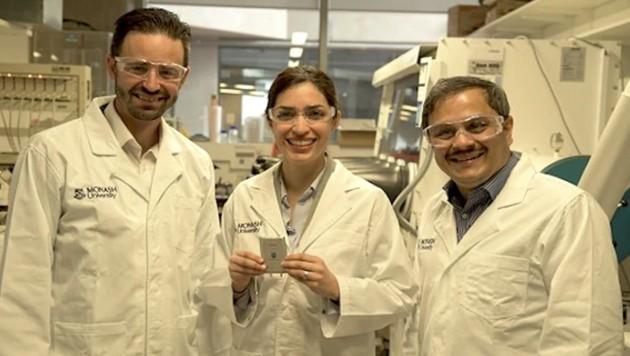 Erdacht haben den Fünf-Tage-Akku, der aus Lithium und Schwefel besteht, Forscher der australischen Monash University in Melbourne. Den Prototyp hat das deutsche Fraunhofer Institut für Material- und Stahltechnik gebaut. (Bild: Monash University)