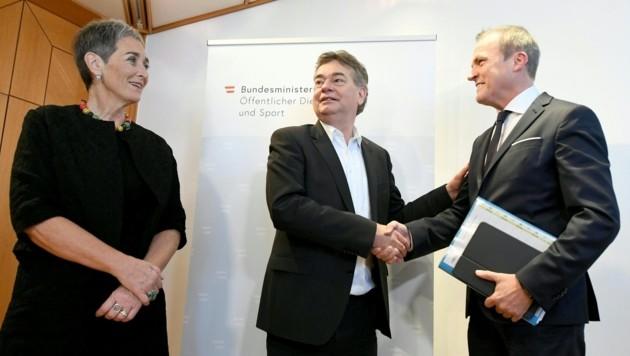 Ulrike Lunacek, Werner Kogler und Eduard Müller (Bild: APA/HELMUT FOHRINGER)