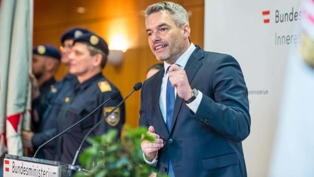 Der neue Innenminister Karl Nehammer (Bild: BMI/Gerd Pachauer)