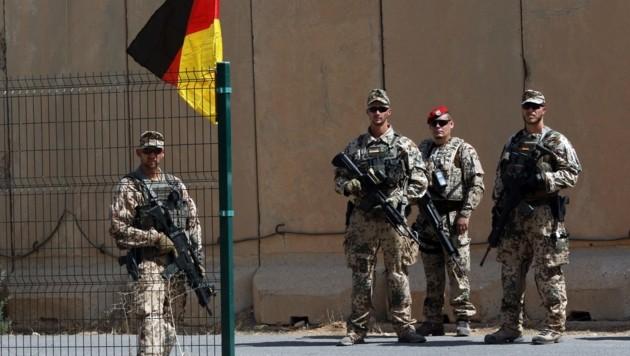 Deutsche Bundeswehrsoldaten in Erbil (Bild: APA/AFP/SAFIN HAMED)