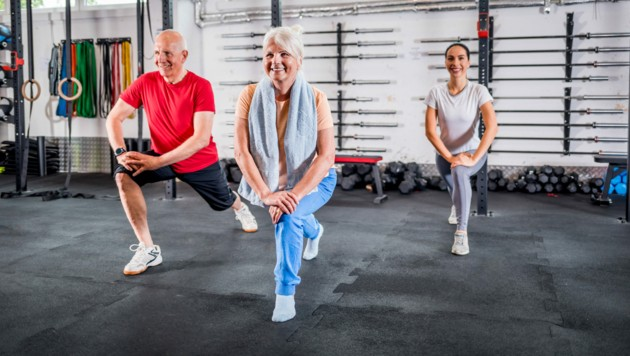 Wer sportlich aktiv bleibt, hat seltener Probleme mit dem Herz. (Bild: leszekglasner/stock.adobe.com)