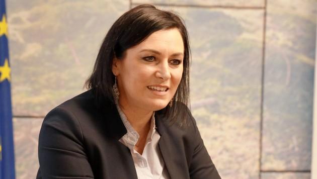 Landwirtschaftsministerin Elisabeth Köstinger (ÖVP) (Bild: Zwefo)