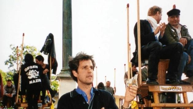 """Christoph Schlingensief mit der """"Chance 2000"""" in Graz, 1998 (Bild: Jörg Schlick)"""