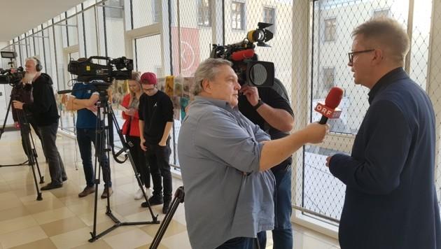 Interviewmarathon bei der Abschieds-Pressekonferenz in Linz (Bild: Werner Pöchinger)