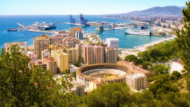 Beliebtes spanisches Urlaubsziel: Málaga an der Costa del Sol (Bild: ©KikoStock - stock.adobe.com)