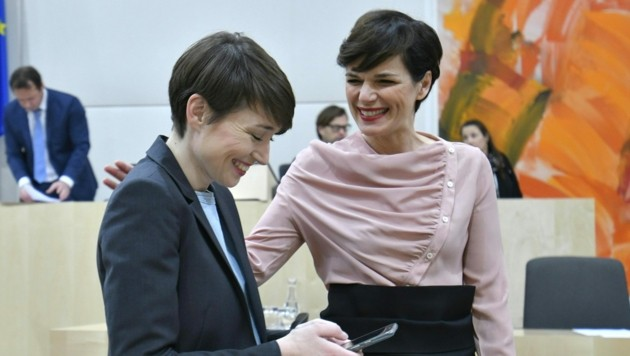 Grünen-Klubobfrau Sigrid Maurer und SPÖ-Chefin Pamela Rendi-Wagner (Bild: APA/HERBERT NEUBAUER)
