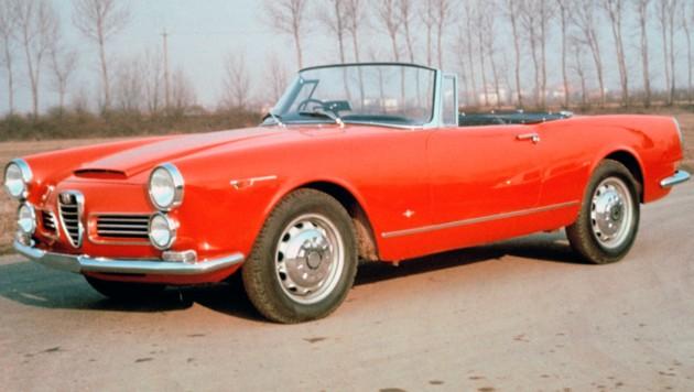 Zu den Prestige-Modellen der 60er-Jahre gehört der ab 1962 gebaute 2600 Spider. (Bild: Alfa Romeo)