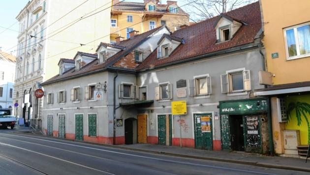 Alexander Girardis Geburtshaus in der Leonhardstraße verfällt (Bild: Christian Jauschowetz)