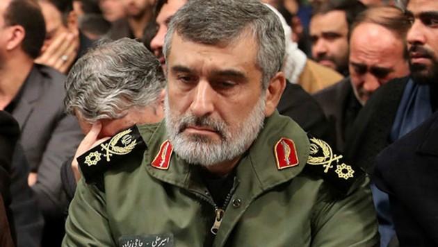 Der Luftwaffenchef der Revolutionsgarden, Amir Ali Hajizadeh (Bild: AP)