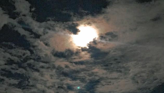 In Reichenfels leuchtete der Vollmond durch eine Wolkendecke. (Bild: Schwab Alexander)