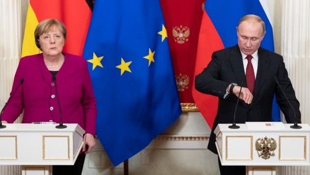 Angela Merkel bei Wladimir Putin in Moskau (Bild: AP)