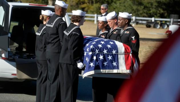 Drei US-Soldaten wurden bei dem Angriff in Pensacola getötet. (Bild: AP)