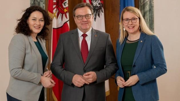 Bundesministerin Margarete Schramböck war Gast bei der Regierungssitzung von LH Platter und LHStv. Felipe. (Bild: Christian Forcher)