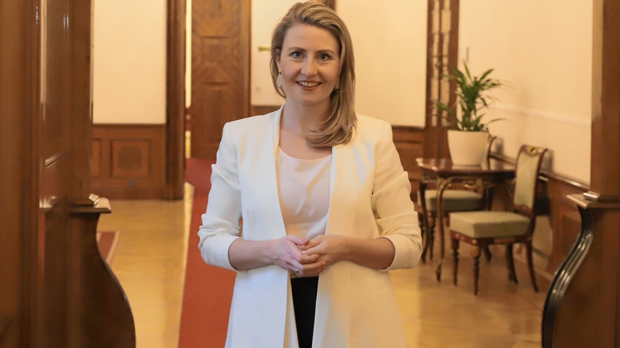Frauentag - Dichtes Programm fr Ministerin Raab - comunidadelectronica.com