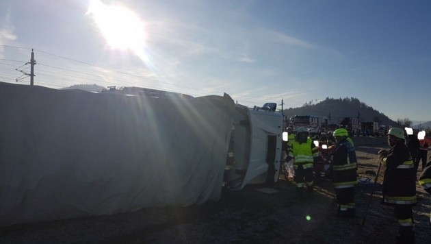 Im Einsatz standen die Freiwilligen Feuerwehren Maria Saal, St. Michael am Zollfeld, St. Donat und St. Veit an der Glan. (Bild: FF Maria Saal)
