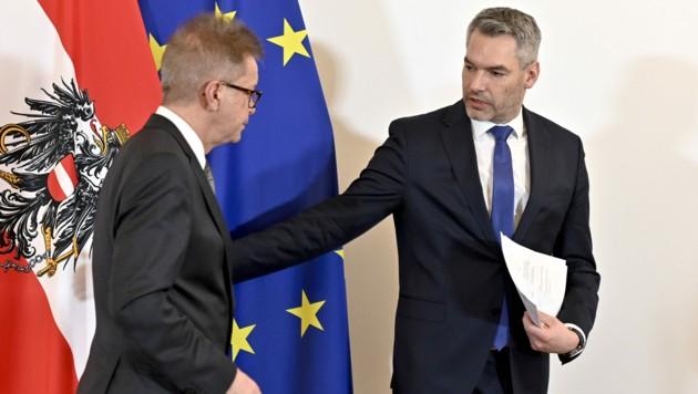 Sozialminister Rudolf Anschober (Grüne) und Innenminister Karl Nehammer (ÖVP) (Bild: APA/HERBERT NEUBAUER)