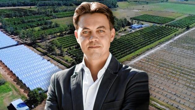 Die Firma Multikraft (am Bild Geschäftsführer Lukas Hader) hat einen Standort in Australien, ihre Farmer fürchten um ihre Höfe. (Bild: Privat, krone.at-Grafik)