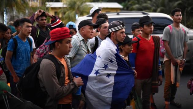 Migranten an der Grenze zwischen Honduras und Guatemala (Bild: AFP)