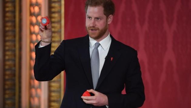 Prinz Harry richtete die in seiner Funktion als Schirmherr der Rubgy Football League die Auslosung der Partien für die Weltmeisterschaft 2021 aus. (Bild: AFP)