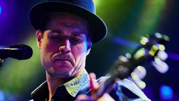 """John Klirr (alias Dominik Neudorfer) hat mit """"Neckbreak and Bracelets"""" das zweite Album bei Pumpkin Records vorlegt - im ausgewählten Handel erhältlich. (Bild: John Klirr)"""