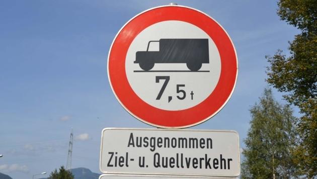 Durch Sperren in der Steiermark spürt der Lungau schon jetzt mehr Transitverkehr durch das Murtal in Richtung Tauernautobahn. Nun prüft der Landtag ebenfalls eine Sperre. (Bild: Heinz Weeber)