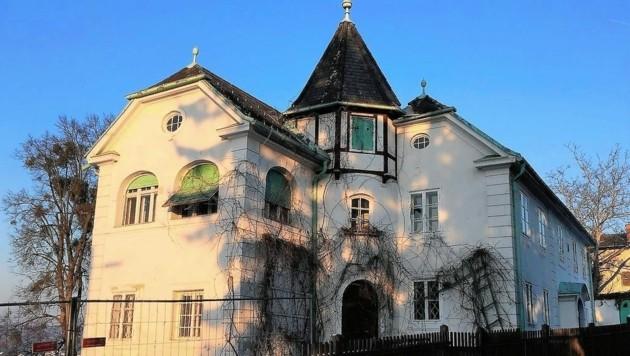 Lang sah es düster aus, doch im letzten Moment konnte diese Villa am Ruckerlberg erhalten werden. (Bild: Peter Laukhardt)