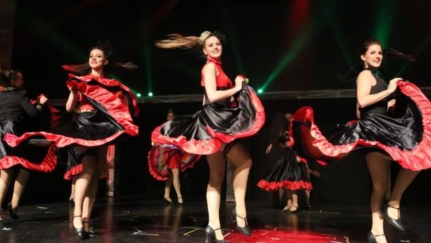 Sehenswert: die Tänzer der Mackh-Akademy. (Bild: Hronek Eveline)