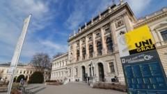 An der Uni Graz haben die Hörsäle geschlossen – doch die Studenten büffeln eifrig zuhause. (Bild: Christian Jauschowetz)