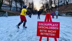 Schilder weisen auf das Verbot hin. (Bild: Clara Milena Steiner)