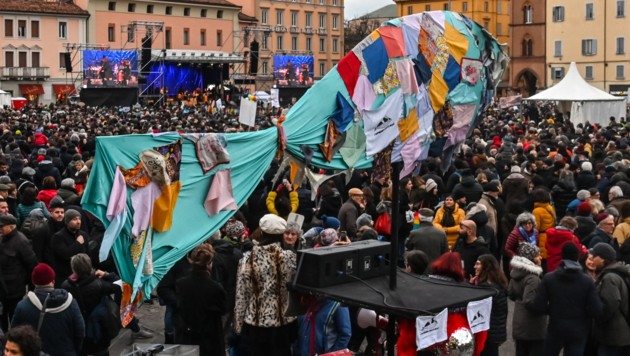 Die Sardine ist zum Zeichen des Protests in Italien geworden. Die sogenannte Sardinen-Bewegung protestiert gegen die Politik der rechten Lega von Matteo Salvini. (Bild: AFP)