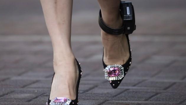 Meng Wanzhou muss eine elektronische Fußfessel tragen.