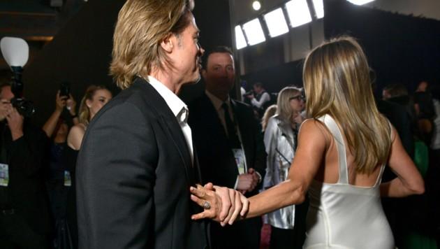 Brad Pitt schien Jennifer Aniston gar nicht mehr loslassen zu wollen. (Bild: 2020 Getty Images)