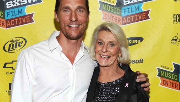 Matthew McConaughey mit Mama Kay (Bild: 2012 Getty Images)