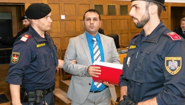 Der Angeklagte Soner Ö. beim Prozess in Dornbirn (Bild: Mathis Fotografie)