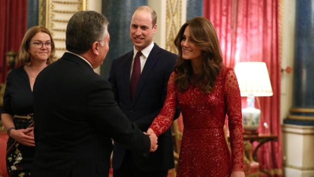Herzogin Kate und Prinz William beim Empfang der afrikanischen Delegierten im Buckingham-Palast (Bild: AFP)