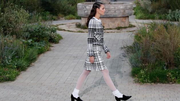 Auch das klassische Chanel-Kostüm fand sich in der Spring/Summer-Kollektion 2020. (Bild: AP)