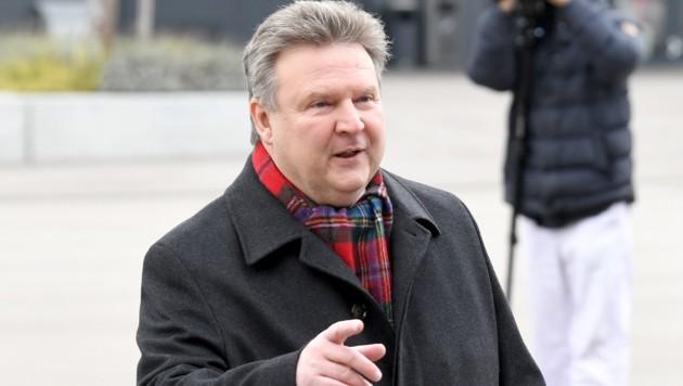 Bürgermeister Michael Ludwig verteidigt das rot-grüne Wien gegen die türkis-grüne Regierung. (Bild: APA/ROLAND SCHLAGER)