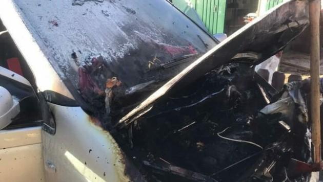 Der Motorraum ist komplett ausgebrannt. (Bild: FF Rosegg)