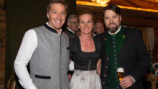 Hans Knauß mit Ehefrau Barbara und Bernhard Knauß (von li. nach re.) (Bild: GEPA )